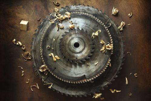 Nettoyer les poussiéreuses de la lame scie circulaire