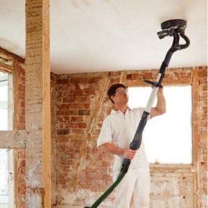 utilisation d'une ponceuse girafe pour le plafond